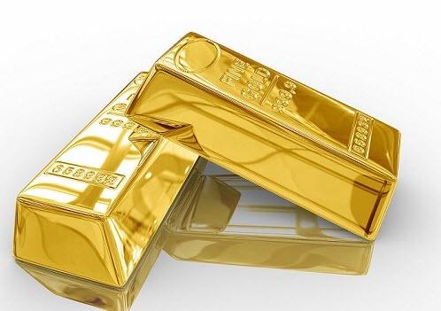 Золото укрепляется на новых заявлениях Трампа