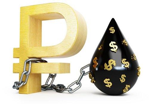 Рубль торгуется на 18-ти месячном максимуме при поддержке растущей нефти