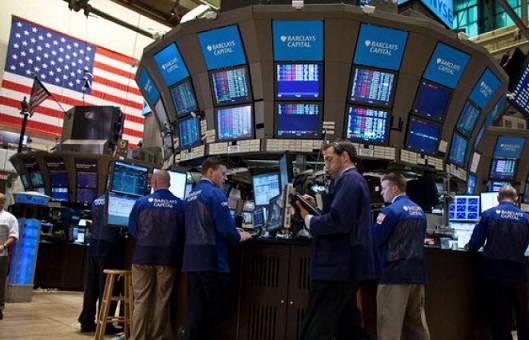 Индексы Уолл-стрит рекордно выросли после выступления Трампа в Конгрессе